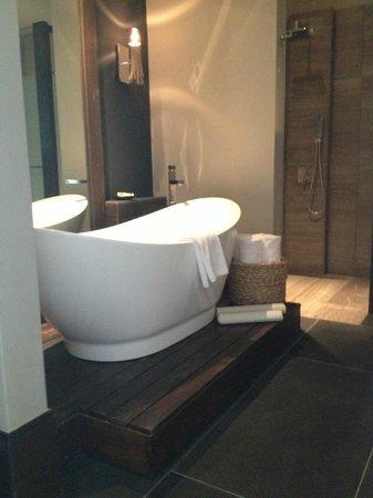 NIZUC Resort and Spa : ocean suite bathroom