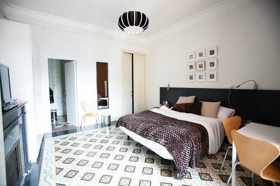 B&B Quadrat d'Or: Gaudi room.