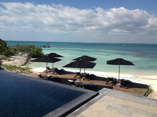 NIZUC Resort and Spa: pool area