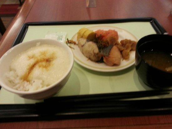 Richmond Hotel Sendai : とろろごはん♪