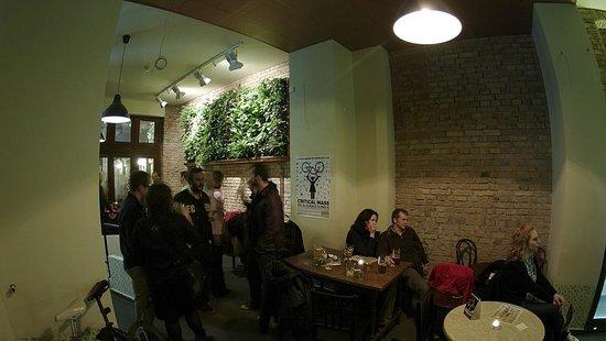 Szomszed Bar & Cafe