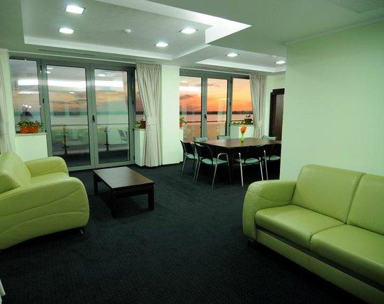 Splendid Hotel - Insignia Business center - lobby