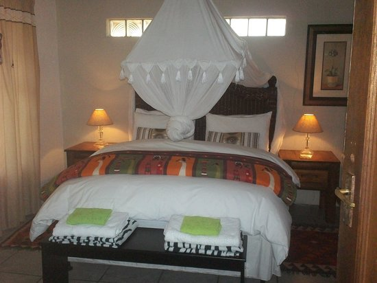 Marloth Kruger Lodges: Zebra Bedroom