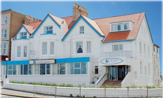 Photo of Surfers Hotel Newquay