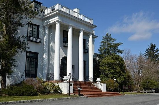 Tarrytown House Estate on the Hudson: King Mansion