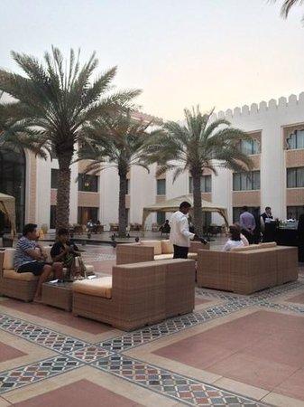 Shangri La Barr Al Jissah Resort & Spa-Al Husn: Apero