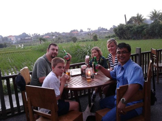 Seecobali Tours: Having early dinner at one of the local restaurant