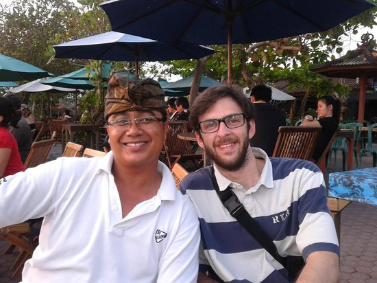 Seecobali Tours : Nyoman with one of his guest