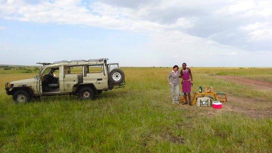 Oloshaiki Camp: A lovely breakfast in the bush