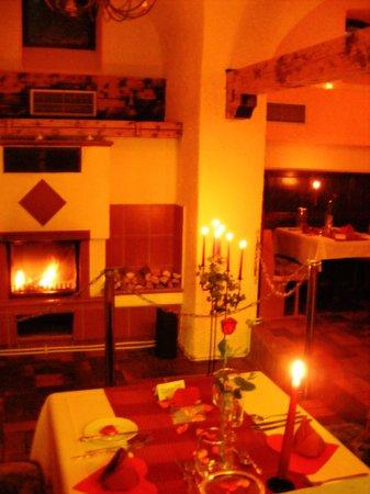 alter romerkeller augsburg restaurant bewertungen telefonnummer fotos tripadvisor. Black Bedroom Furniture Sets. Home Design Ideas
