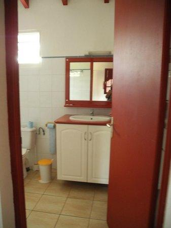 Village de Menard: Grande salle de bains
