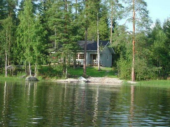 Yla-Saarikko Holiday Cottages: Own beach