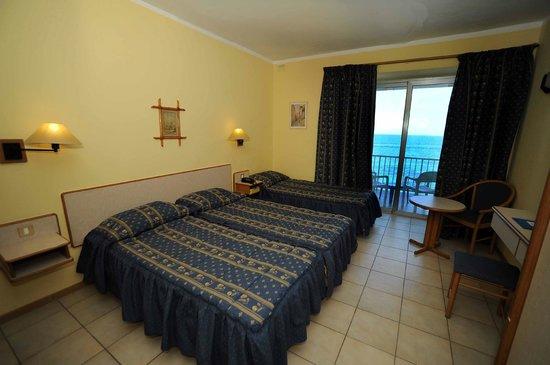 Sliema Chalet Hotel: Twin / Triple Sea-View Room