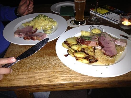 Schwarzwaldstuben: maiale, patate e crauti