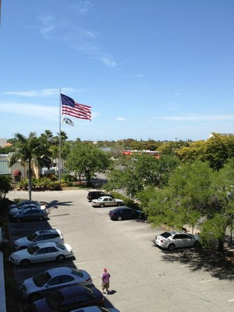 Holiday Inn Express Cape Coral/Fort Myers Area: View from the 4th floor on the Cape Coral Blvd. side of the property.