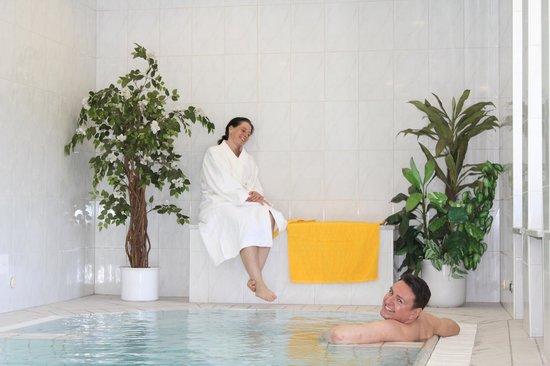 Hotel Lindwurm: Wellnessbereich - Pool