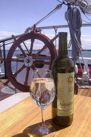 Schooner Manitou: Take advantage of our Wine Tasting Packages