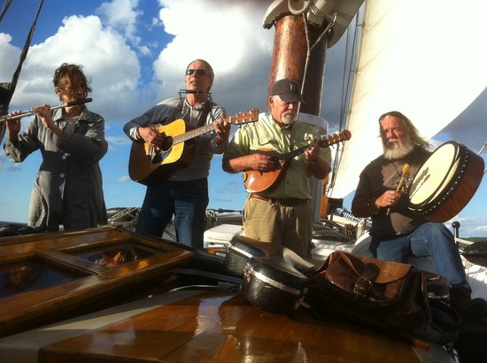 """Schooner Manitou: Entertainment with """"Song of the Lakes"""" on Wednesday nights!"""
