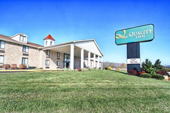 Quality Inn Enola - Harrisburg: PROPERTY OUT SIDE