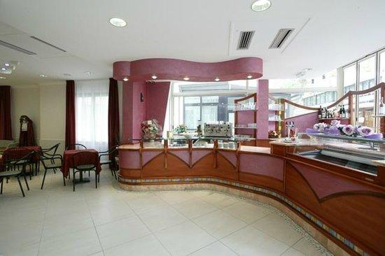 Hotel Le Lune: Bar