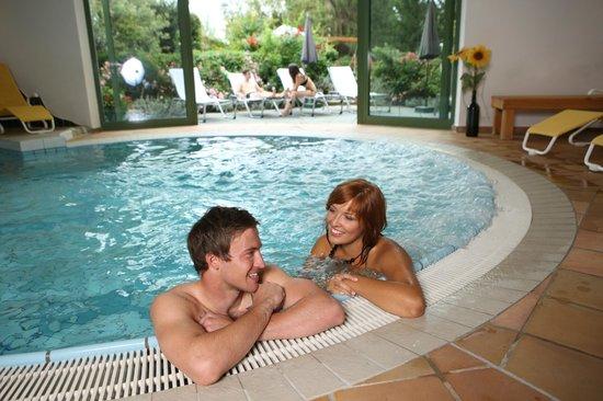 Weinlandhof: Pool im Vitalbereich