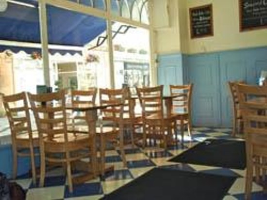Seafoods Traditional Fish & Chips: Seafoods Fish and Chip Restaurant upstairs dining area