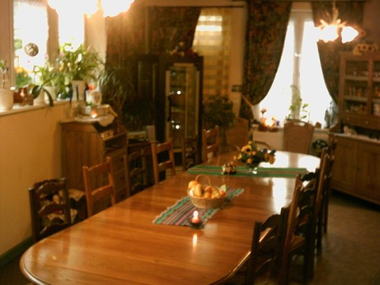 Au Pied des Chaumes : Table d'hôtes