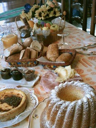 Au Pied des Chaumes : Petit déjeuner...