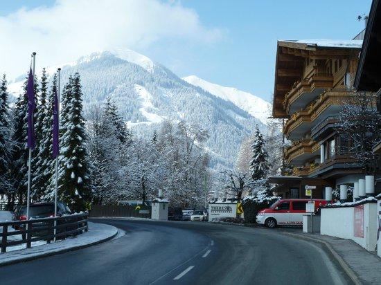 Theresia Gartenhotel: Front of Hotel