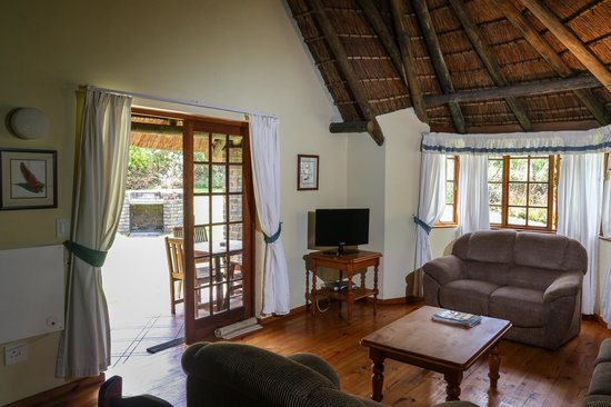 ‪‪Coral Tree Cottages‬: Lounge area in one bedroom cottage‬