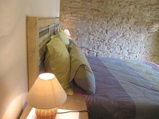 Chambre d'hotes La Premiere Vigne : chambre Castelnau