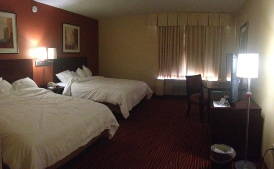 Hotel Boston: panoramic view of room