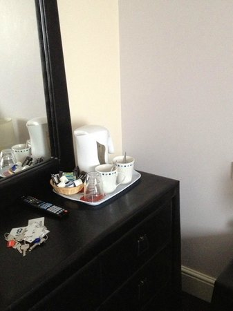 The Orchard Hotel Gloucester: tea coffee tray