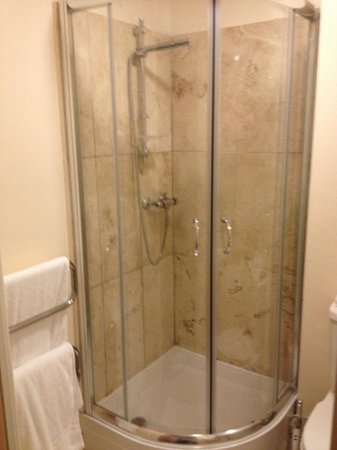 The Orchard Hotel Gloucester: shower door closed