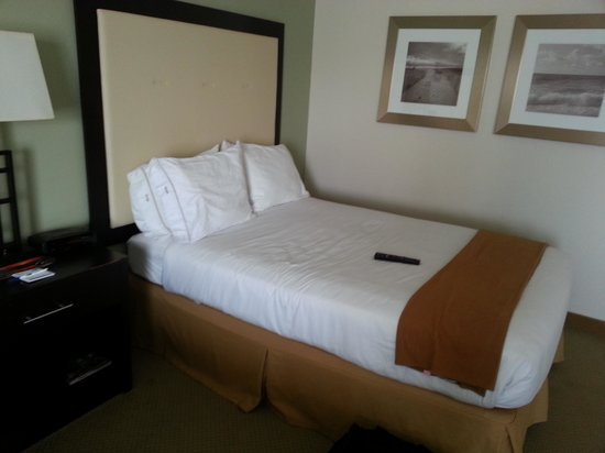 Holiday Inn Express Myrtle Beach-Broadway at the Beach: Double Bed