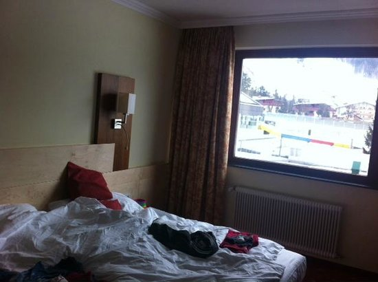 Sporthotel Royer : the room us facing the magnificent ski slopes