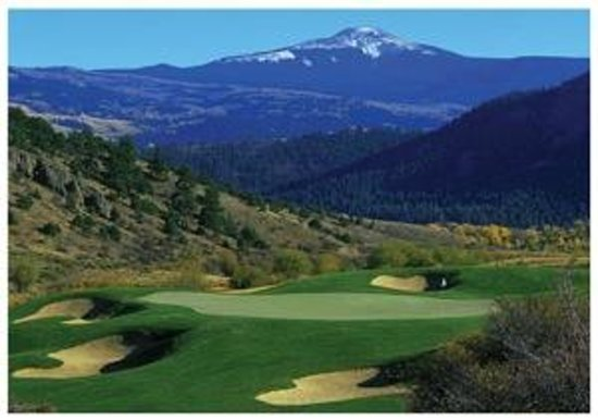 4UR Ranch: The near-by Rio Grande Golf Course.
