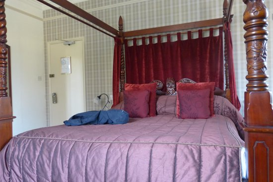 Ellerthwaite Lodge: Four poster room