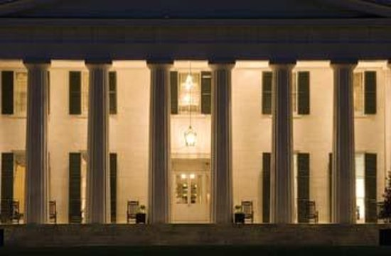 Berry Hill Resort & Conference Center: Evening at the Mansion