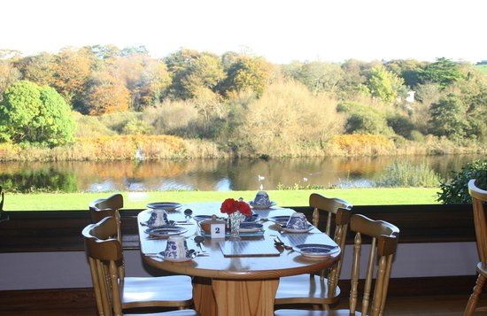 Riverside House: can you imagin having your breakfast looking at this view??
