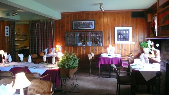 Waterlot Restaurant: Cosy, even on a hot July day.