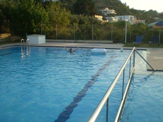 Evdokia Apartments: pool