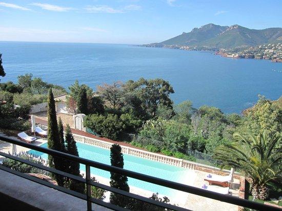 Hotel Tiara Yaktsa Côte d'Azur.: Un beau dimanche matin depuis notre balcon