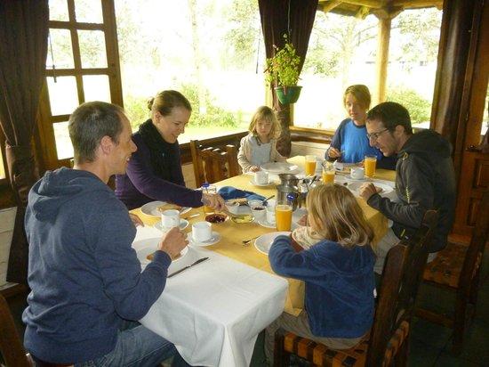 Shungu Huasi : Restaurant con vista hacia areas verdes