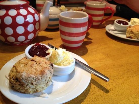 Hele Corn Mill and Tea Room: cream tea