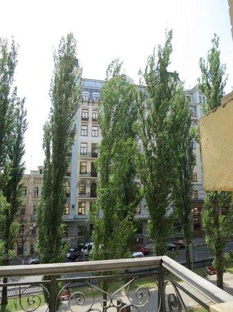 St.-Petersburg Hotel : Вид из номера на 3 этаже
