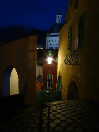 Hotel Portmeirion: Night view