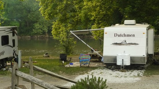 River's Edge Camping & Cabins: Riverfront RV Site