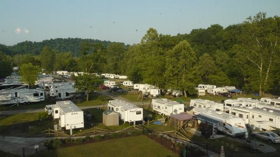 River's Edge Camping & Cabins: RV Sites