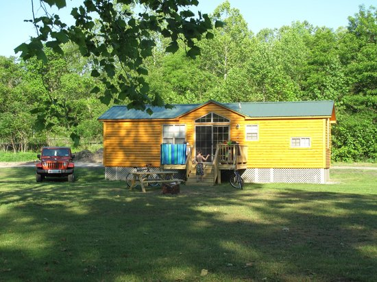 South Connellsville, Pensilvanya: Full-service Cabin